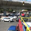 Verkehrschaos an der Kreuzung, Mexiko Stadt