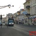 Ein Combino an deran der weihnachtlich dekorierten Friedrich-Ebert-Strasse in Richtung Nauener-Tor..