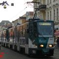 Ein Zug mit zwei KT4D an der weihnachtlich dekorierten Friedrich-Ebert-Strasse in Richtung Nauener-Tor..