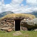 Ariège-Pyrénées, Goulier - orri à l'entrée du village