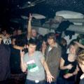 dancin crowd