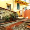 Лестничные квартаоы - экскурсии по Генуе