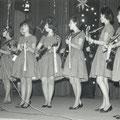 De Fatimo's tijdens de grote teenager show in Het Gildenhuis op 29-12-1963