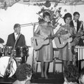The Young Sisters met The Red Hot Peppers uit Leeuwarden op 7 sept. 1963 in Hotel Beijering, Vlagtwedde (Friesland)