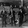 THE BLUE ROCKIN' STARS - optreden 1962 tijdens een bedrijfsfeest van de firma A. Rhee aan de Ginnekenstraat te Breda.