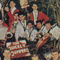 The Quickly Jumpers in het blad Romance (december 1962). Fragment van grote groepsfoto van Zeeuwse en enkele West-Brabantse artiesten. Met rode jasjes zijn The Blue Red Rockets uit Best.