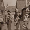 THE SKYLIGHTS - Blauwstraat, Sint Maartendijk - voorjaar 1961 /vlnr:  Kees Vermeulen, Marcel Vinjé, Hans van Es en Johan Geluk.