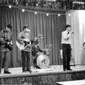"""1969 / 1970  Bergen op Zoom - Diverse eigen georganiseerde optredens (Sea-Side) in gemeenschaps-huis """"Eigen Haard"""" Nieuw-Borgvliet."""