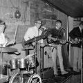 THE OP-SOUND  in jazzcafé Porgy & Bess, Terneuzen (23-07-1967) vlnr: René de Kok - Piet van Trijp - Fred Baarda - Cor van Dongen