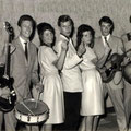 The Young Sisters met Ritchie Clark & The Ricochets uit Den Haag (1963)