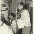 THE DISCONALTS optreden carnaval 13 feb. 1964 met Jan van Vessum (midden) en Piet Hopmans (rechts)