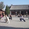 Fotoshooting mit Chen Bing 2013 vor dem Ahnentempel