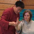 Korrekturen und Bewegungsdemonstration mit Wang HAijun 2014 (Heenheim)