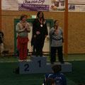Siegerpodest Internat. Niederl. Meisterschaften: Alfie (1. D), Geraldine Fitzmaurice (2. Irl.), und eine Holländerin (3.)