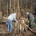 Aufstellen der ersten Holzscheide