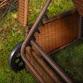 lettino polyrattan marrone con ruote
