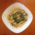 Spagetti de Detoxpowerpesto mit gerösteten Pinienkernen