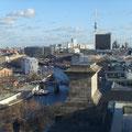 Ausblick zum Roten Rathaus, Dom und Fernsehturm
