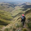 Durch die faszinierende Berglandschaft wandern...