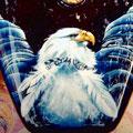 moderner Adler auf Motorradtank