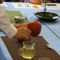 意外と知らない緑茶の世界でのワンシーン。
