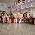 Junggesellinnenabschied Party Fotoshooting und Gruppenfoto bei ELA EIS Düsseldorf