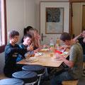 Jeweils ein Mittagessen zur Stärkung