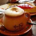 Cappuccino und Kuchen, dass muss man aber ganz schön suchen, denn der Kolumbianer trinkt meistens (tinto)