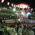 夏:大勢の市民が楽しんだ納涼盆踊り大会