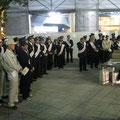 「火の用心~夜間路上禁煙運動」駅前キャンペーンが行われた