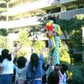 2006年 ベイシティ新浦安秋祭り 今年もピエロが登場、バルーンアートやジャグリングなどで大人気だった