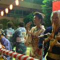 2007年 浦安市納涼盆踊り大会 「浦安音頭」の生演奏で、踊りの会場は盛り上がった