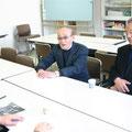 2005年 広報委員会活動 うみかぜ2号の取材で、浦安の歴史を新井信蔵さん(左)、泉澤慎吾さん(右)にうかがった