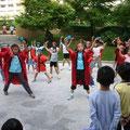 2005年 グランファースト新浦安自治会秋祭り よさこいソーランを元気いっぱい踊る明海っ子