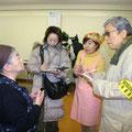 2005年 広報委員会活動 京成サンコーポ自治会の餅つき大会の取材。自治会の歴史など貴重なお話をうかがった