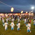 2回目となった海辺de盆踊り大会が開催され、元町・中町からも多くの参加者があった