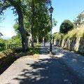 Une belle avenue avant d'entrer dans Tineo