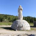 La statue du Christ au col 1 477m