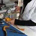 contrôle de l'épaisseur du cuir