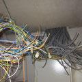 So viele Kabel...