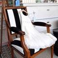 Stuhl von In-Haus, Kleid von Float.