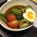 本日のスープカレー(ゴーヤ・みょうが・なす・スイートバジル・トマト・おくら他)