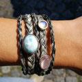 [Nr. 24] Mehrreihiges Armband mit Mondstein, Rosenquarz und Larimar. Preis auf Anfrage
