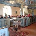 Eine volle Kirche in Dobraschütz