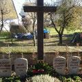 Mittelkreuz der Kriegsgräberanlage