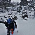 Les pentes de neige médianes, cascade de Praz Varin