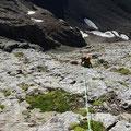 Estelle dans les dalles de la Tête de Chat - Aiguilles d'Arves topo