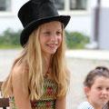 Elisa mit dem sprechenden Hut