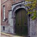 Porte du musée archéologique de Nivelles (colorée à la main)
