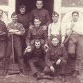 27 août 1922 - Octave Sanspoux est appuyé sur le balai